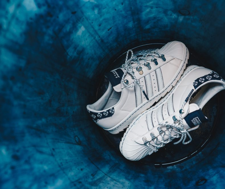 O stea printre Superstaruri: Footshop x adidas Superstar 'Blueprinting'