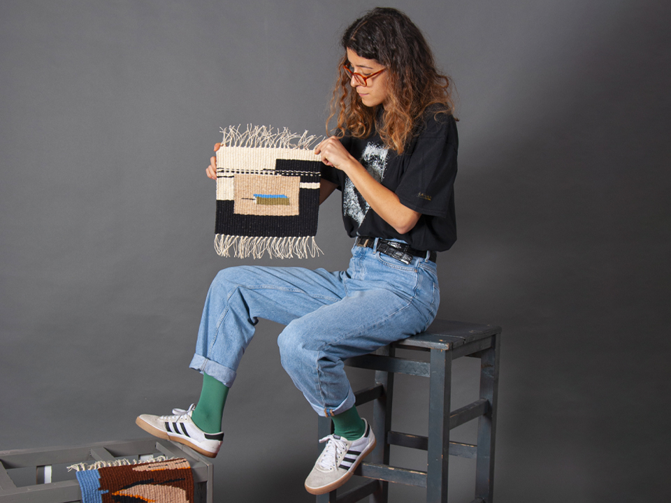 FURU LOOM – Piese textile țesute manual, create cu instrumente tradiționale