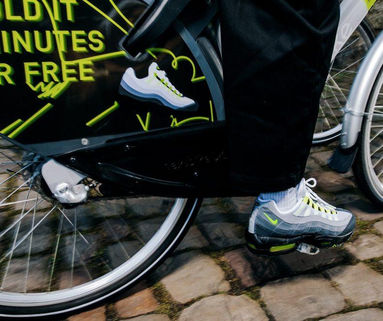 Editorial: Nike AM 95 OG 'Neon'